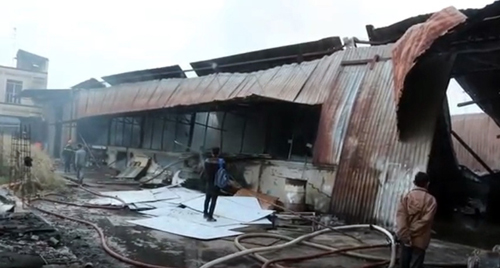 Khói lửa bao trùm xưởng mộc vùng ven Sài Gòn - ảnh 3