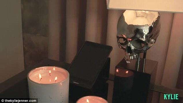 Phòng ngủ từ xa hoa tới giản dị bất ngờ của 3 cô nàng nổi tiếng Hollywood - ảnh 6