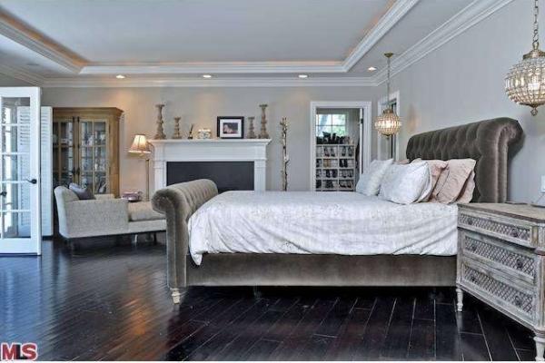 Phòng ngủ từ xa hoa tới giản dị bất ngờ của 3 cô nàng nổi tiếng Hollywood - ảnh 9