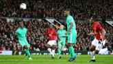 """MU - St. Etienne: """"Siêu anh hùng"""" Ibrahimovic"""