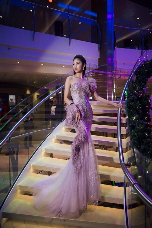 Mỹ Linh, Thanh Tú đẹp tựa nữ thần với váy đầm lộng lẫy - 1