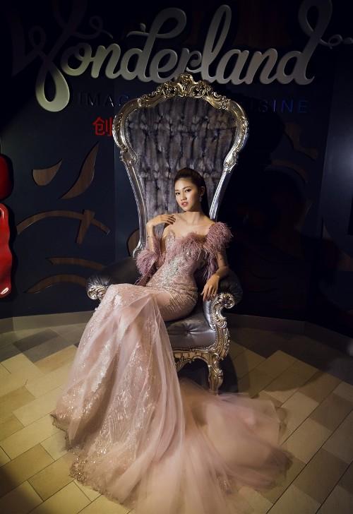 Mỹ Linh, Thanh Tú đẹp tựa nữ thần với váy đầm lộng lẫy - 5