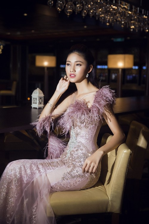 Mỹ Linh, Thanh Tú đẹp tựa nữ thần với váy đầm lộng lẫy - 7