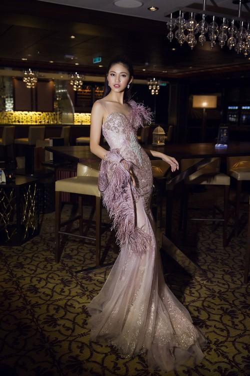 Mỹ Linh, Thanh Tú đẹp tựa nữ thần với váy đầm lộng lẫy - 8