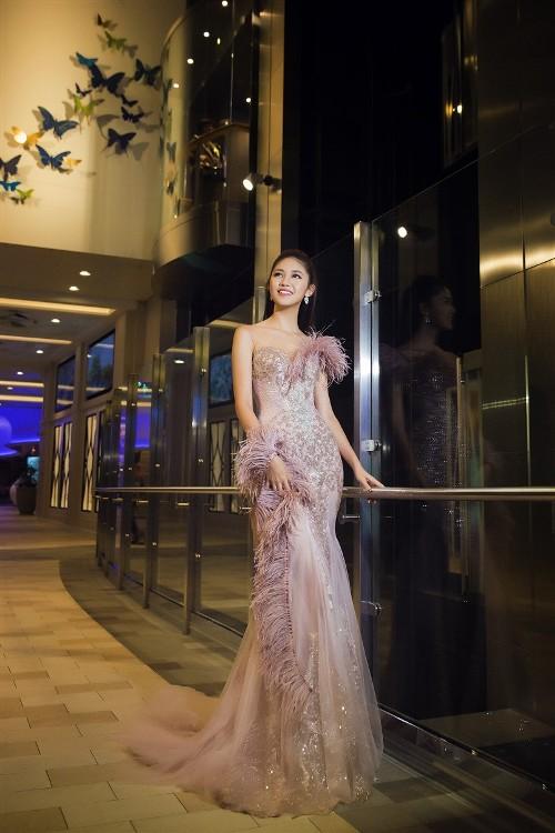 Mỹ Linh, Thanh Tú đẹp tựa nữ thần với váy đầm lộng lẫy - 9