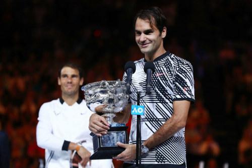 Federer & bí quyết siêu cường: Nhờ… ngủ nướng & vợ con