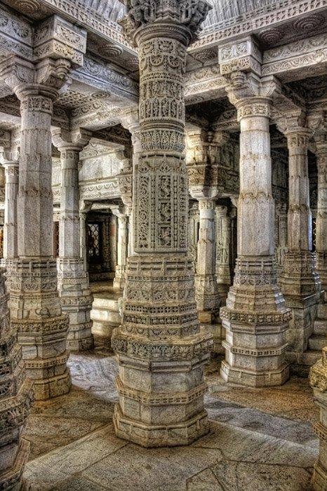 Ngôi đền với 1444 cột đá trang trí khác nhau xây dựng trong 50 năm - 3