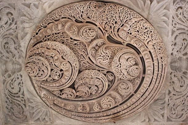 Ngôi đền với 1444 cột đá trang trí khác nhau xây dựng trong 50 năm - 4