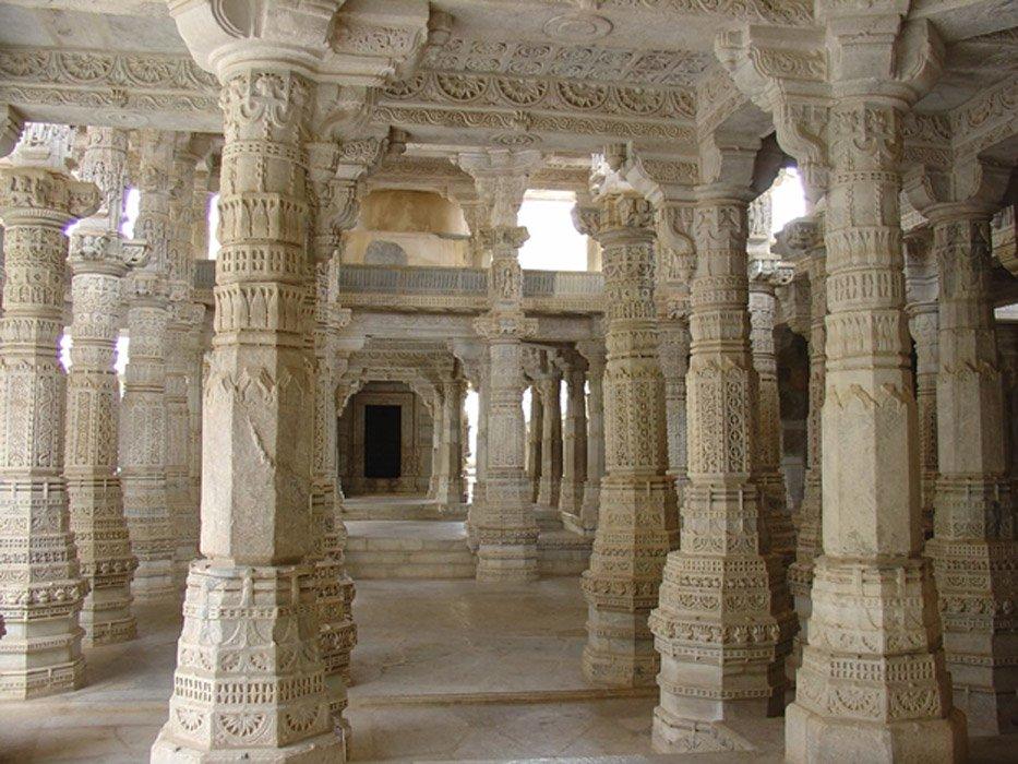 Ngôi đền với 1444 cột đá trang trí khác nhau xây dựng trong 50 năm - 5