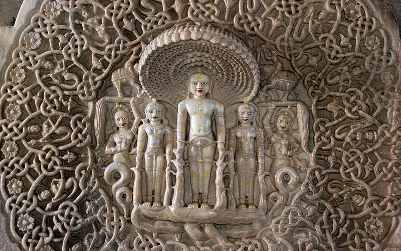 Ngôi đền với 1444 cột đá trang trí khác nhau xây dựng trong 50 năm - 10