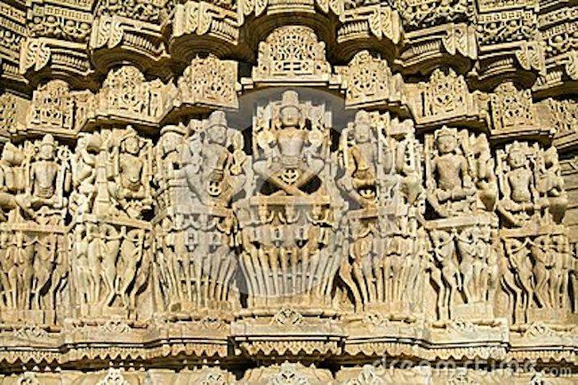 Ngôi đền với 1444 cột đá trang trí khác nhau xây dựng trong 50 năm - 13