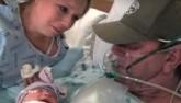 Người vợ mổ đẻ sớm để chồng đang hấp hối kịp gặp con