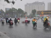 Tin tức trong ngày - Sài Gòn bất ngờ mưa như trút nước giữa mùa khô