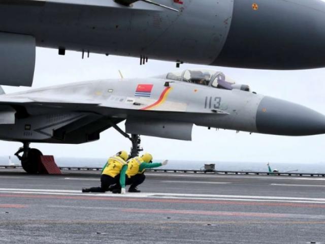 """TQ """"nắn gân"""" Trump bằng cách gây căng thẳng ở Biển Đông?"""