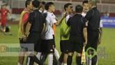 """Trò hề"" trận TP. HCM – Long An: Fan quốc tế cũng sốc"