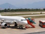 Nhân viên sửa chữa cầu ống lồng trong sân bay bị kẹp chết