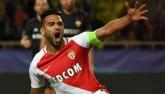 Man City run rẩy đấu 107 tuyệt kỹ của Monaco - Falcao