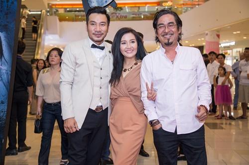 Vợ chồng Trương Quỳnh Anh tình tứ, dập tan tin đồn rạn nứt - 9