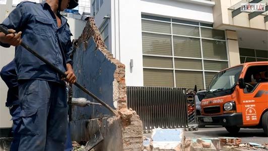Clip: Quận 1 phá bỏ các công trình lấn chiếm vỉa hè