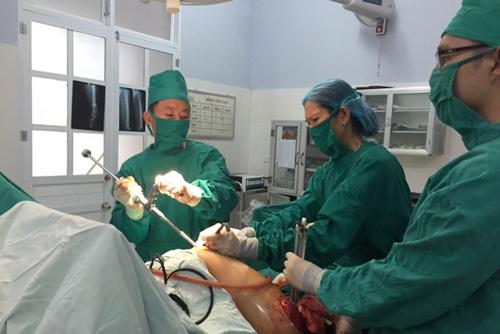 Kỳ tích mổ sọ não, thụ tinh nhân tạo ở một bệnh viện huyện - 1
