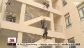 Clip: Hướng dẫn kỹ năng thoát hiểm khi cháy nhà cao tầng