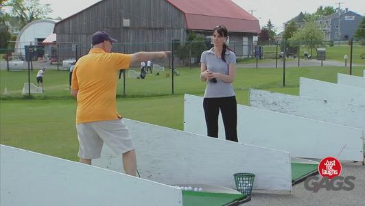"""Clip hài: Quá """"thốn"""" khi bị troll trên sân golf"""