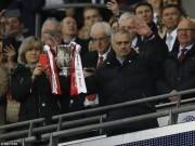 Bóng đá - MU: Mourinho cân bằng kỉ lục Sir Alex, úp mở ngày giải nghệ