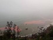 """Đã  """" giải mã """"  dải nước màu đỏ  bí ẩn  ở biển Thừa Thiên - Huế"""