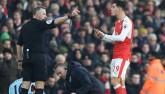 Arsenal 10 người thắng nhiều hơn thua: Ai nói bản lĩnh kém