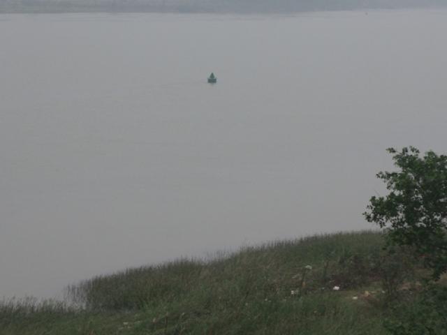 Đôi nam nữ nhảy cầu tự tử trên sông Lam - 2