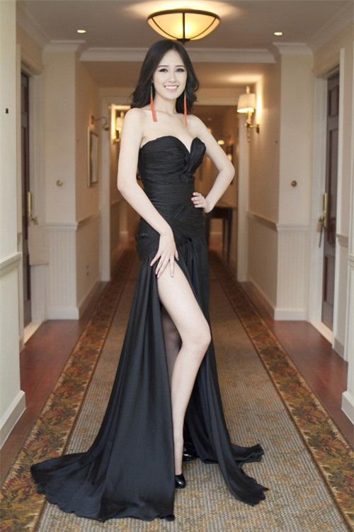 Mai Phương Thúy đẹp mê hồn với váy cúp ngực trễ nải - 5