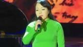 """Clip: Bộ trưởng Nguyễn Thị Kim Tiến hát """"Mãi mãi tuổi 20"""""""
