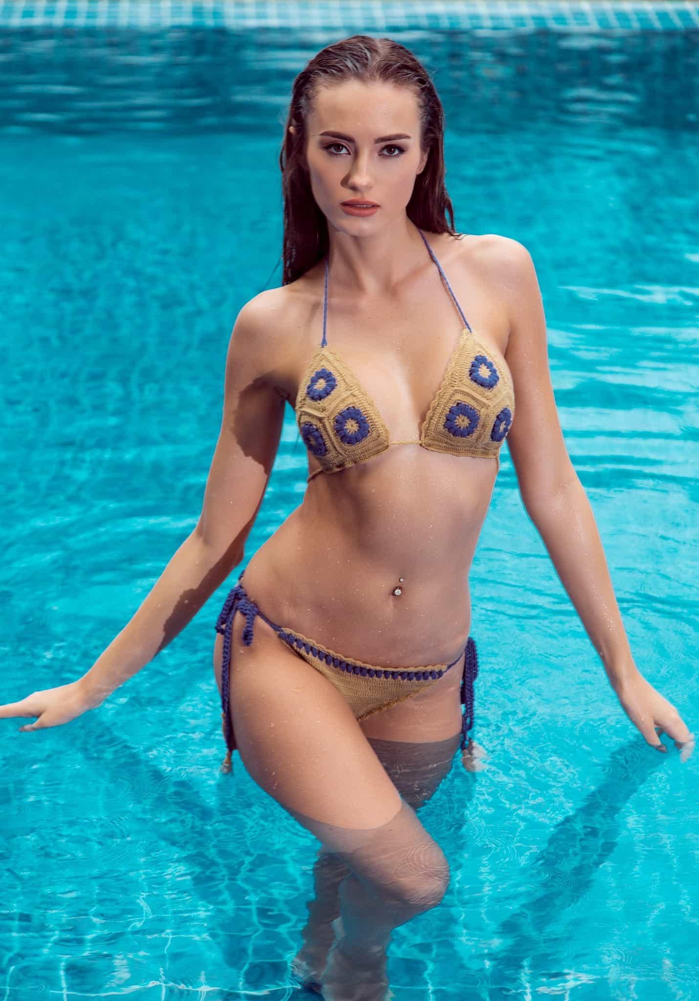 """Hà Anh mặc bikini gợi cảm """"áp đảo"""" hoa, á hậu quốc tế - 7"""