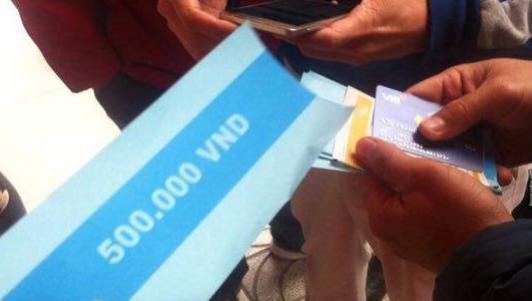 Ngân hàng lên tiếng vụ ATM nhả tờ giấy in chữ 500 nghìn đồng
