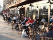 """Thế giới - Từ """"loạn vỉa hè"""" Việt Nam nhìn sang cà phê vỉa hè Paris"""