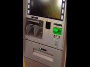 Tin tức trong ngày - Chuyện lạ ở HN: Ra cây rút tiền, ATM nhả ra tờ giấy in chữ 500 nghìn đồng