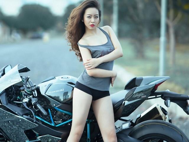 Những hotgirl ô tô - xe máy đình đám năm qua