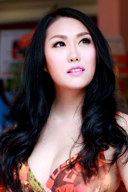 Phi Thanh Vân khoe nhà mới gần chục tỷ sau ly hôn