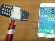 "Dế sắp ra lò - Nokia 3310 hóa búa tạ ""tẩn"" iPhone 7"