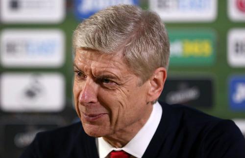 """Wenger từ chối dẫn dắt Barca, fan Arsenal """"thất vọng"""""""
