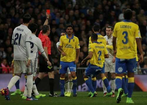 Liga trước V26: Barca đụng khắc tinh, cơ hội cho Real - 2
