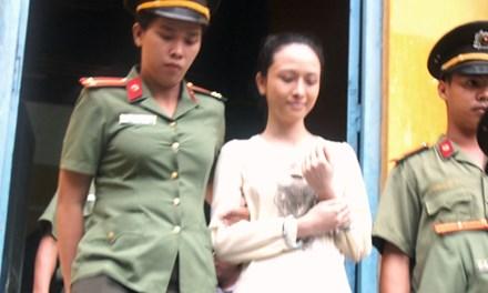 Vẫn đề nghị truy tố hoa hậu Phương Nga tội lừa đảo