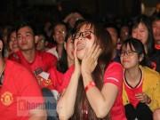 Bóng đá - Fan nữ xinh gào thét trong ngày huyền thoại MU đến VN