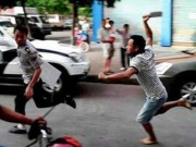 An ninh Xã hội - Vác dao đi đánh ghen... chém luôn CSGT