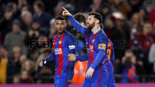 """""""Vua ghi bàn, thánh kiến tạo"""" Messi: Cả châu Âu quỳ gối"""