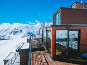 """"""" Đã mắt """"  ngắm khách sạn container siêu sang trên núi tuyết"""
