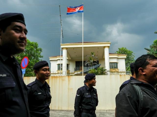 Malaysia đáp trả, cấm công dân Triều Tiên về nước