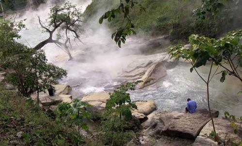 Kỳ lạ dòng sông nước sôi huyền bí giữa rừng Amazon - 3