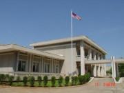 Thế giới - Đại sứ quán Malaysia ở Triều Tiên đốt tài liệu, hạ cờ
