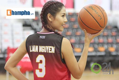 Hoa hậu Nguyễn Thị Loan tiết lộ người yêu sao bóng rổ VN